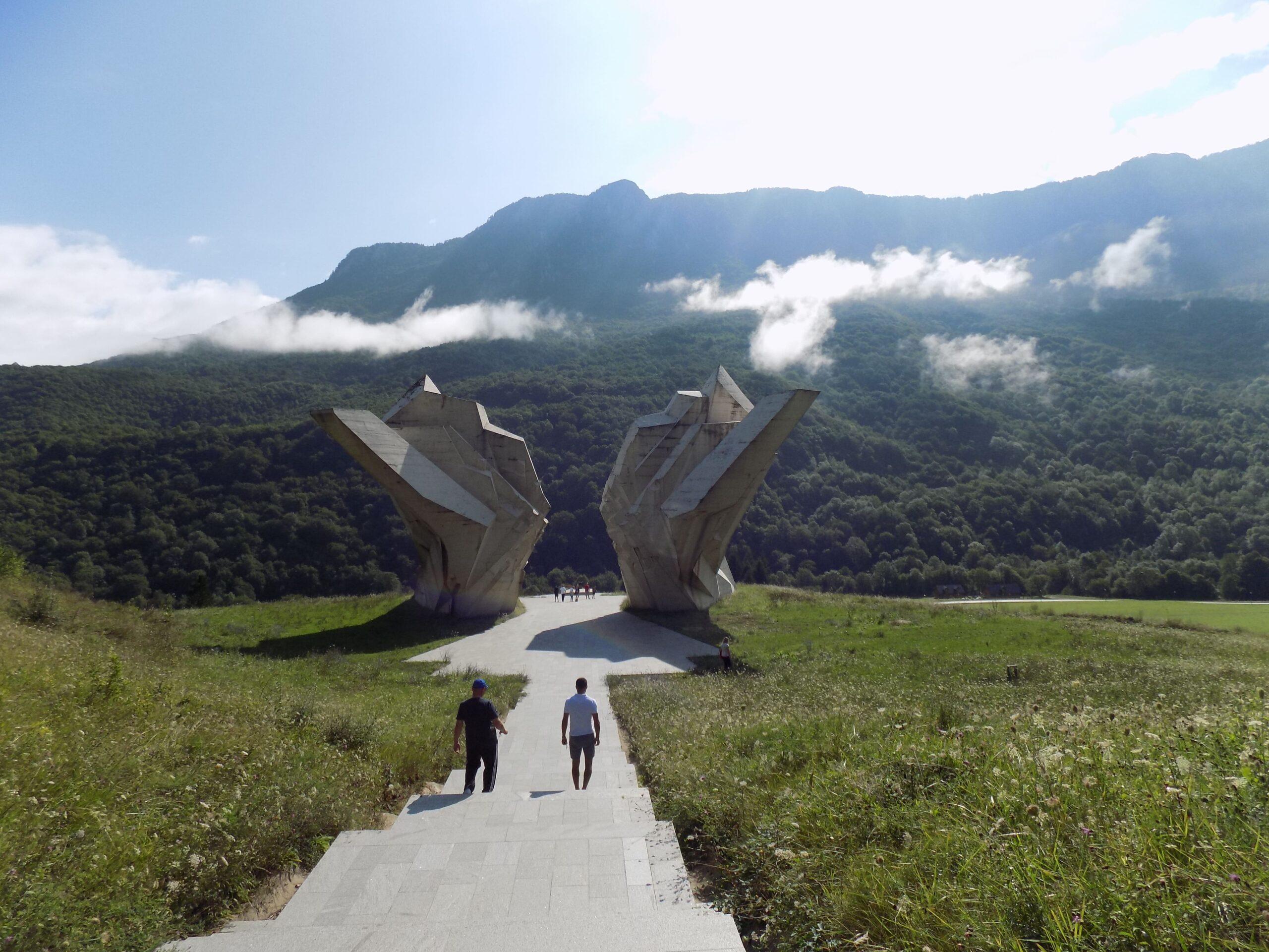 Spomenik Bitke na Sutjesci - Nacionalni park Sutjeska